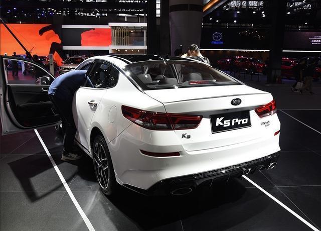 曾經的B級車銷量王,今成最落魄的撩妹王,降價6萬月銷卻只500臺
