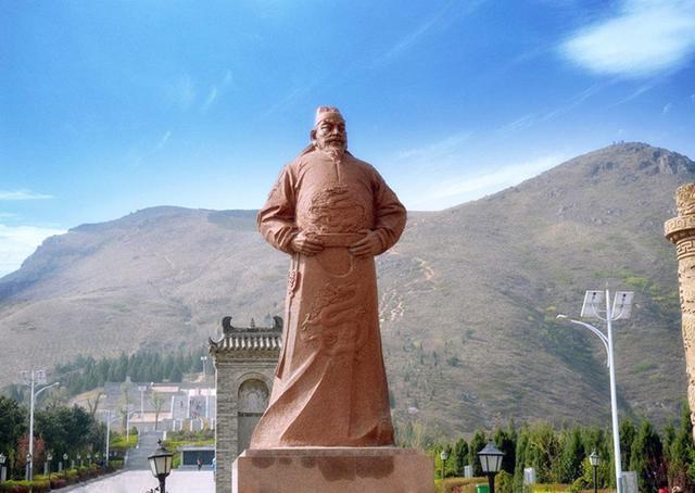 """中國將士被築成了""""京觀"""",一人見後說:我一定要為他們報仇"""