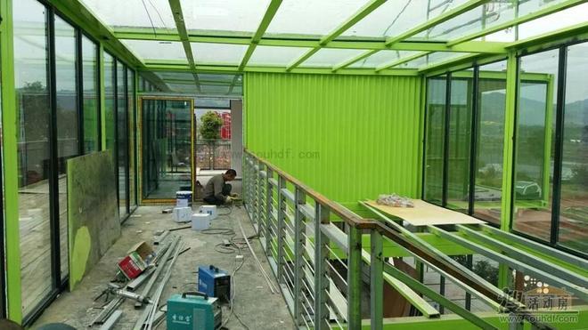 前衛建築——模塊化集裝箱建築
