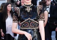 李宇春終於高調!新發色配珍珠刺繡裙氣質出眾又迷人,美成女王了