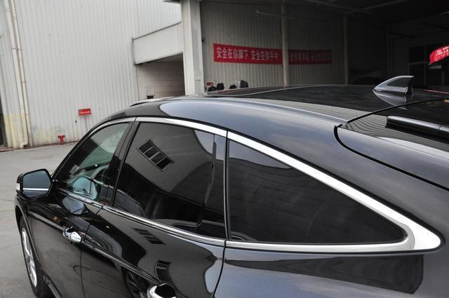 日系溜背轎跑SUV,車長5米超漢蘭達標配全景天窗,二手15萬沒人買