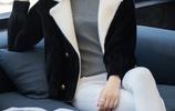 我媳婦賊會打扮,已40歲出頭了,出門穿水貂絨,年輕得像30歲