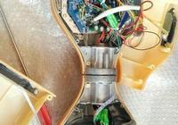 拆個高科技電池組的平衡車