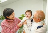 為什麼老人會溺愛孫輩?這個原因很意外,許多兒女沒想到