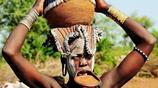 實拍非洲一禁地:這裡的女人不喜歡穿衣服,一年才洗一次頭髮