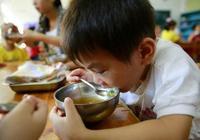 孩子再饞,這3種食物也要少吃,比零食還垃圾!容易積食還長不高
