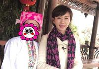 42歲歐陽夏丹素顏照,網友驚訝:妝前妝後兩個人