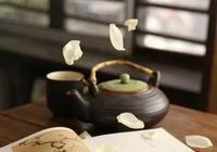 唐詩下酒,宋詞伴茶,既喝茶,也喝酒