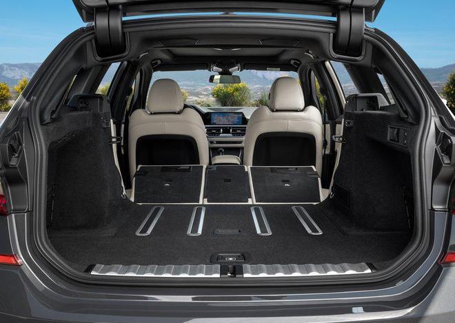 2020款寶馬3系旅行 高顏值瓦罐車要來了 功能性不輸SUV 期待上市
