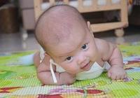 新生兒有這三個舉動出現,可能是頸椎受到了損傷,寶媽別不以為意