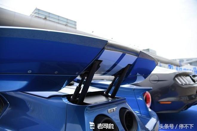 福特GT,各種碳纖維細節很到位,空力套件很精緻