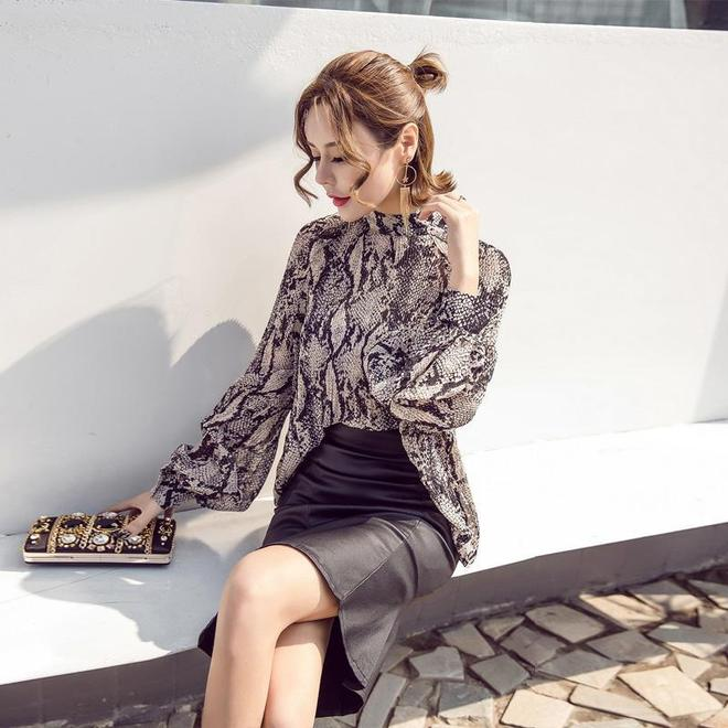 今夏巨流行燈籠袖雪紡衫上衣,知性柔美又優雅,25+女人正合適