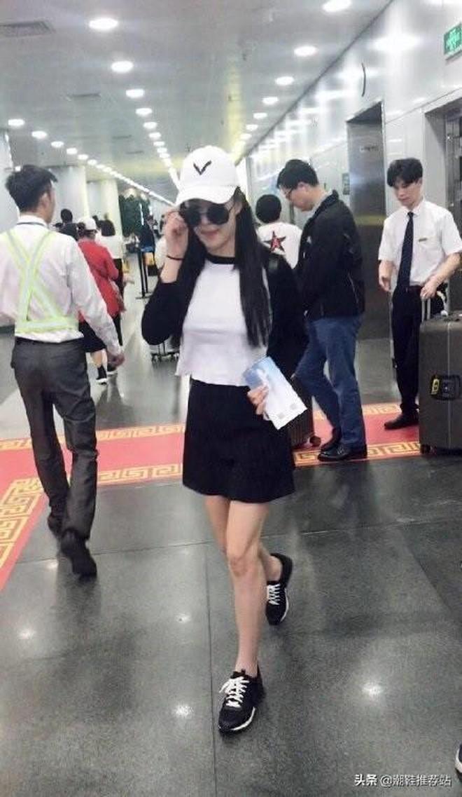 張馨予現身機場,這大長腿實力搶鏡,網友:真的好有氣質