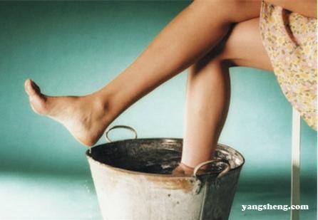 泡腳水放些什麼可以逼出體內溼氣?