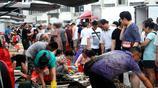 南方開海 梭子蟹搶佔青島市場 手掌大25元一斤 攤主道 不肥不要錢
