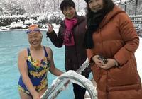 杭州78歲奶奶雪天在室外游泳!堅持52年,70歲還拿金牌