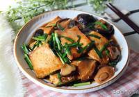 豆腐只要搭配好食材,不用放肉也香,這個做法百吃不厭,特別下飯