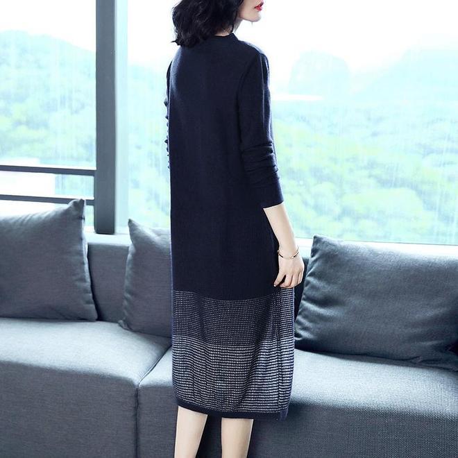 腰上有贅肉的你,適合穿寬鬆又有版型的連衣裙
