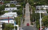這是世界上最陡的居民區,最上面的人每天要爬25樓才能回家!