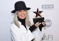 拿個獎半個好萊塢的人都來作陪,這個71歲的老奶奶到底有多牛?