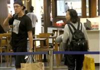 機場迷路男星篇,胡歌被偷拍不忘賣萌,李易峰的表情太逗了