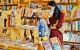 『曉島』成為文藝新陣地,但登島人數有限,這家書店同樣韻味十足