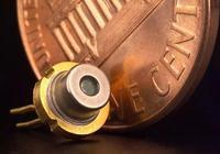 日本九州大學研製出有機激光二極管