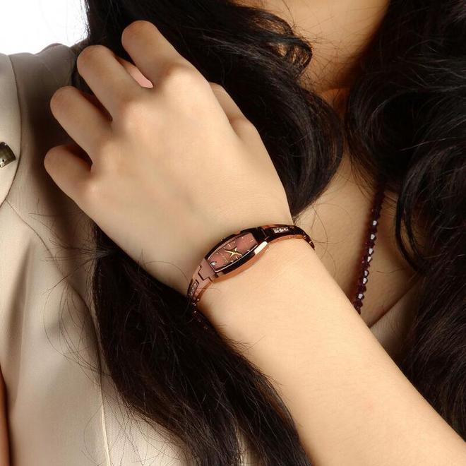 年輕人戴的手錶不用太貴,選擇顏值高的就對了