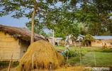 一輛拖拉機成為年輕人眼裡的豪車,尼泊爾這個原始村落有多窮?