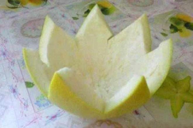 吃完柚子剩下的柚子皮不要扔掉了,柚子皮拿來洗頭好處多多