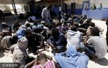 利比亞海警搭救非法移民安全上岸