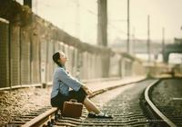 時光不單單沖淡了回憶,還會讓你漸漸的在時間線中慢慢遺忘