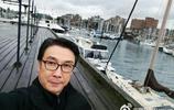 67歲劉松仁全家近照,依然霸氣十足,小20歲空姐妻子成了男人婆
