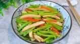 四月,這道素菜一定要吃,鮮美脆嫩營養好,5分鐘就能上桌