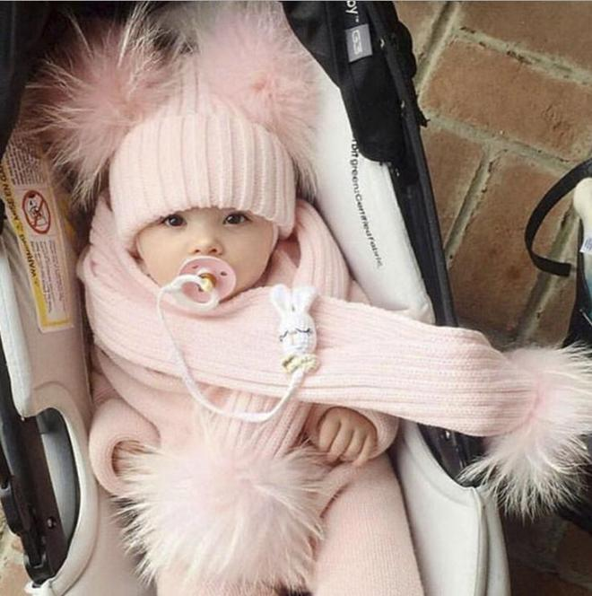 九成媽媽不會打扮寶寶,瞧時尚辣媽怎麼打扮寶寶的,保暖又軟萌