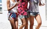 23歲的賈斯汀·比伯(Justin Bieber)在法國南部散步,兩個美女作陪心情大好