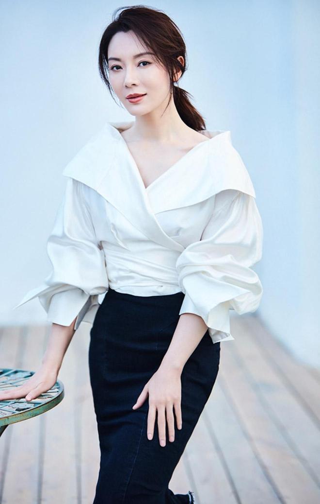 """""""氣質美女""""陳數:知性優雅,成熟魅力,簡直就是女神般的存在"""