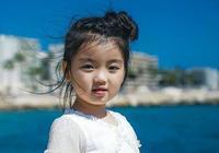 3歲出道走紅,4歲賺錢養家,5歲因工作累倒,談及父母她潸然淚下