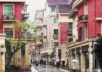對於杭州以及其他地方租房市場被壟斷,房價不斷上漲,導致生活壓力大,你們如何看?