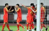 申花球員朱辰傑迎來國足首秀,他是首位代表國足出場的00後球員
