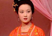 在《紅樓夢》中王熙鳳和賈蓉為什麼比較曖昧?