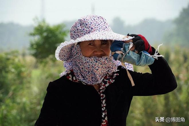 38張女人照,獻給三八婦女節:金頂山下美麗鄉村龐閣村裡的女人們