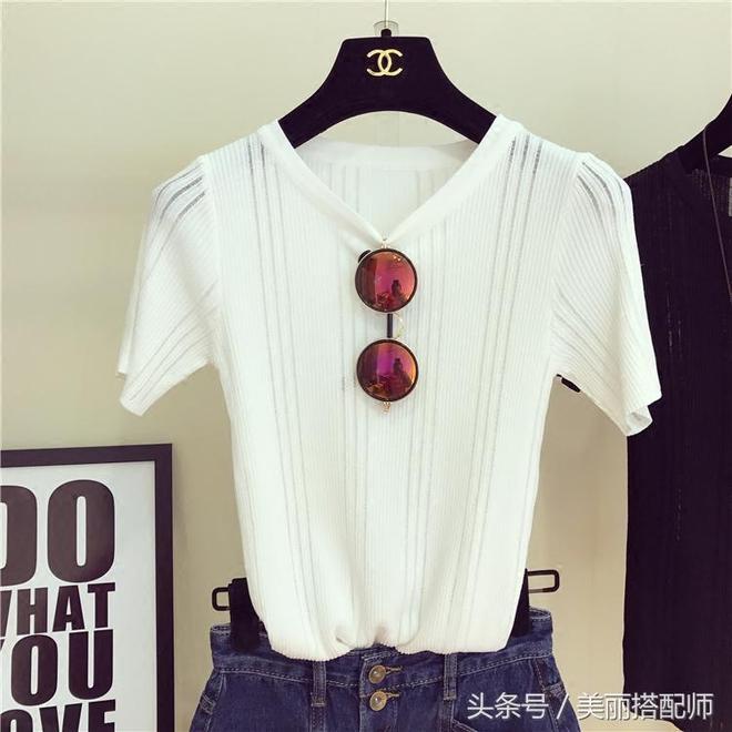 青春減齡擋不住!這樣清爽簡約又休閒舒適的寬鬆短袖T恤,18-35歲女性顯年輕與活力