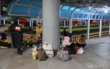實拍2019年春運首日的東莞東火車站,不知道這些旅客節後還來嗎?