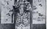 慈禧太后晚年時的女官容齡姐妹的相片,她們曾為慈禧太后寫書