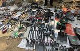實拍新泰龍廷大集上五花八門的農具,看看你是認識幾種?