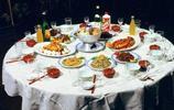 外國人拍攝的80年代上海老照片:圖1吃不起,圖8現在都是有錢人