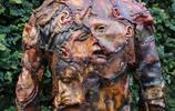 美國藝術家製作人臉服裝走上街頭,回頭率百分百