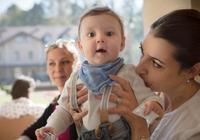 在這個時間段,寶媽儘量少帶寶寶出門,並不是所謂的迷信