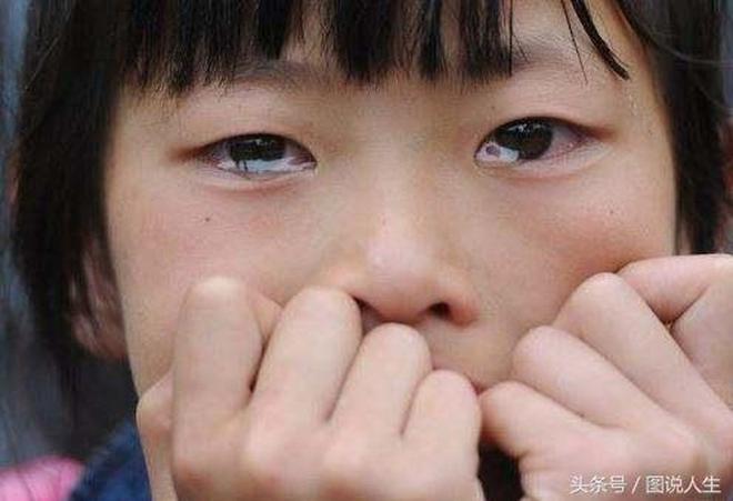 一張張落淚的面孔、一個個心酸的故事:爸爸媽媽,再愛我一次吧